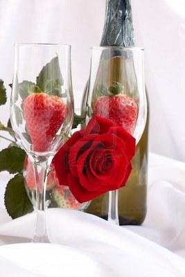 fraises-et-champagne-de-roses-rouges